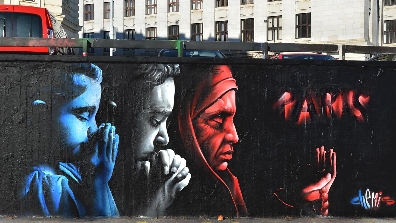 France-terrorist-attack-graffiti-chemis-Prague