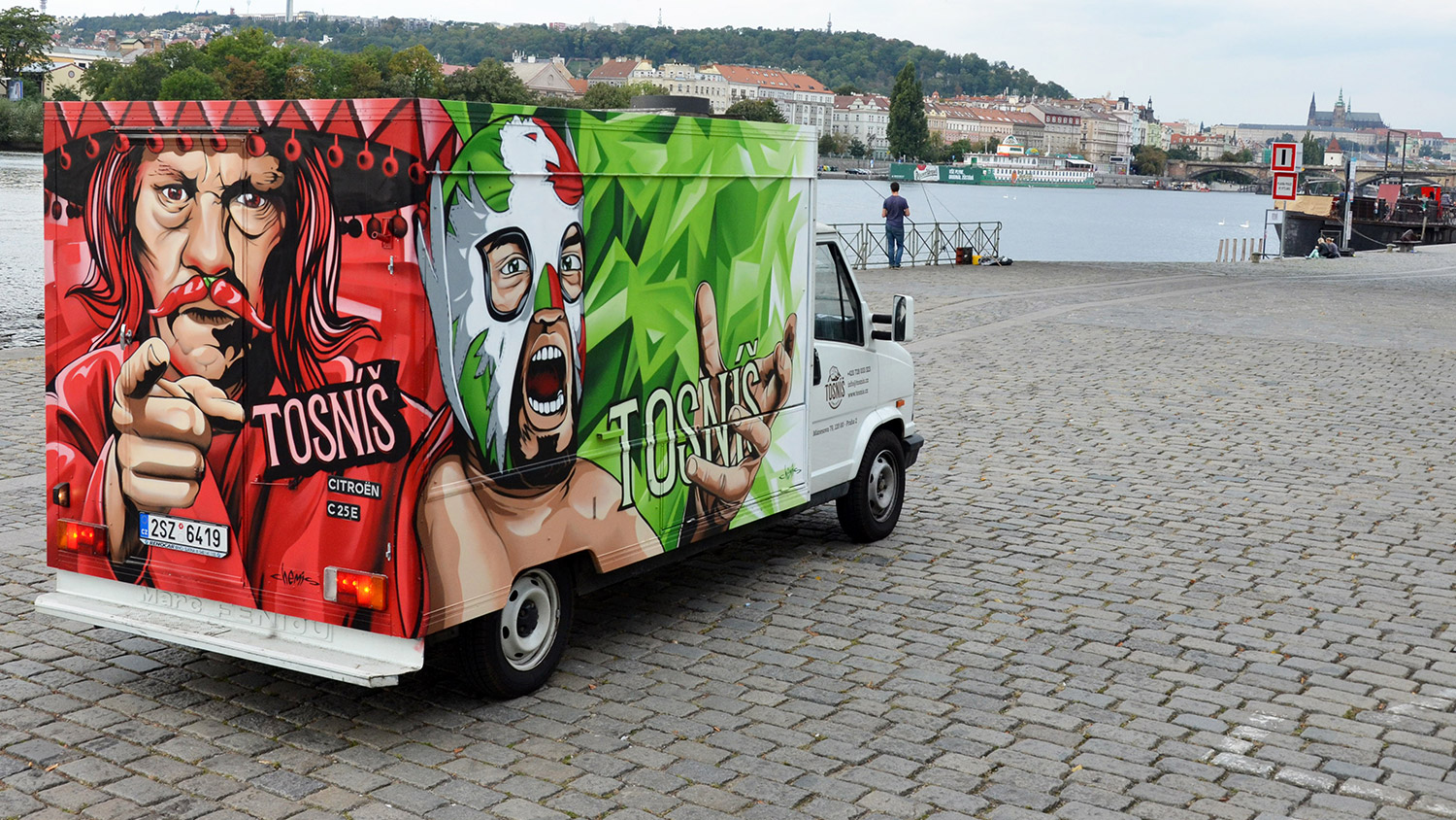 foodtruck-tosnis, graffiti, chemis