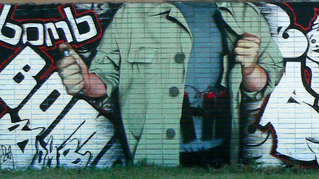Brusel-terrorist-attack-graffiti-chemis